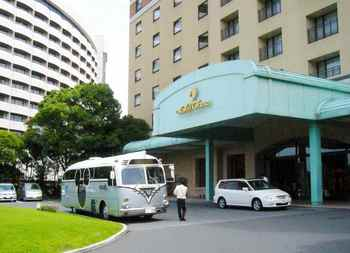 #01ホテル玄関P648.jpg