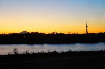 #01富士山と東京スカイツリーのコラボ655.jpg