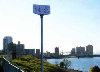 #02江戸川土手&京成鉄橋.jpg