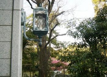 #04アンティークな玄関燈.JPG