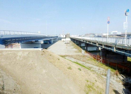 #07行徳橋架替前と後P897.jpg