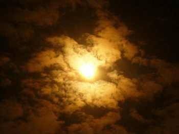#10部分日食実写7時40分P569.jpg